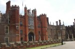 Hampton_Court_Palace (1)
